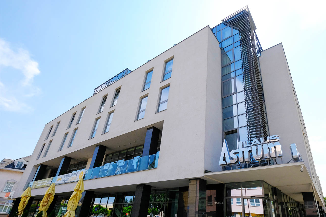 Business Hotel Astrum Laus****